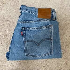 """Levi's- """"Wedgie"""" Size 30"""